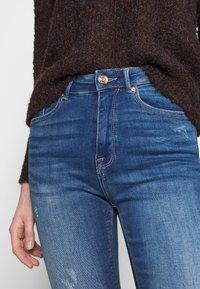 ONLY - ONLFPAOLA DESTROY - Jeans Skinny Fit - medium blue denim - 3