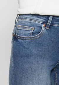 ONLY - ONLBLUSH MID - Jeans Skinny Fit - light blue denim - 5
