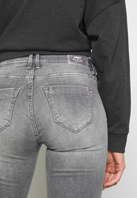 ONLY - ONLSHAPE  - Skinny-Farkut - grey denim - 4