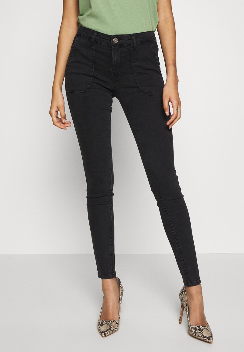 ONLY - ONLCARMEN WORKER  - Vaqueros pitillo - black denim