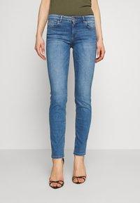 ONLY - ONLEVA LIFE - Jeans Skinny Fit - light blue denim - 0