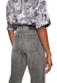 ONLY - ONLERIN - Straight leg jeans - medium grey denim - 5