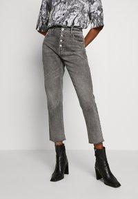 ONLY - ONLERIN - Straight leg jeans - medium grey denim - 0