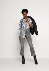 ONLY - ONLERIN - Straight leg jeans - medium grey denim - 1