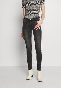 ONLY - ONLCARMEN CBL513 - Jeans Skinny Fit - black denim - 0