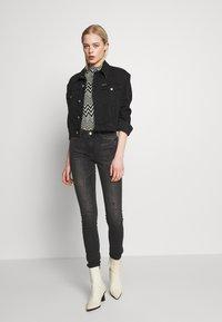 ONLY - ONLCARMEN CBL513 - Jeans Skinny Fit - black denim - 1