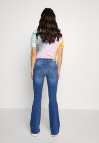 ONLY - ONLPAOLA MID RETRO  - Jeans Skinny Fit - medium blue denim - 2