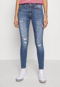 ONLY - ONLCARMEN LIFE  - Jeans Skinny Fit - medium blue denim - 0