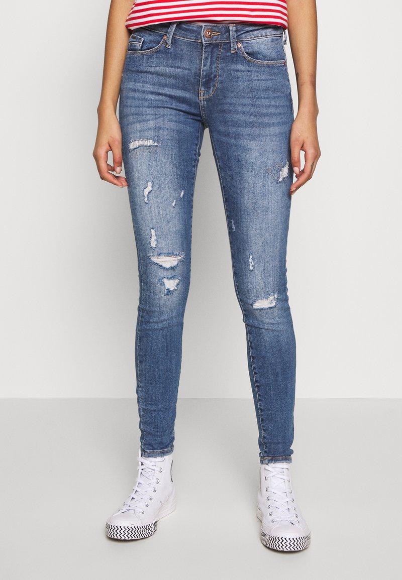 ONLY - ONLCARMEN LIFE  - Jeans Skinny Fit - medium blue denim