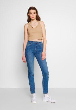 ONLNAHLA LIFE STRAIGHT - Jeans Skinny Fit - light blue denim