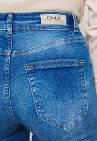 ONLY - ONLBLUSH LIFE - Jeans Skinny Fit - medium blue denim - 4
