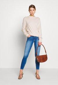 ONLY - ONLBLUSH LIFE - Jeans Skinny Fit - medium blue denim - 1