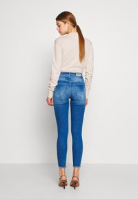 ONLY - ONLBLUSH LIFE - Jeans Skinny Fit - medium blue denim - 2