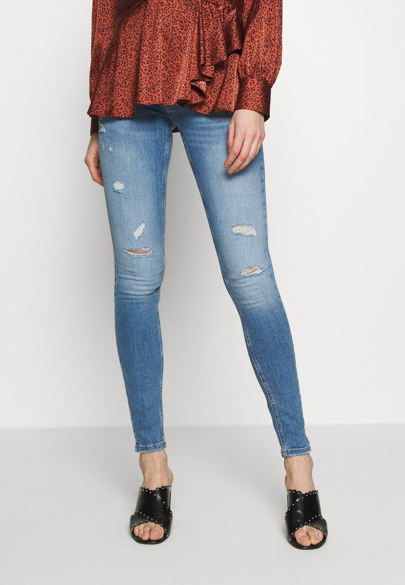 ONLY - ONLCORAL DEST AMOM - Jeans Skinny Fit - medium blue denim