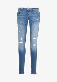 ONLY - ONLCORAL DEST AMOM - Jeans Skinny Fit - medium blue denim - 4