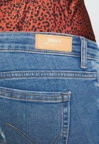 ONLY - ONLCORAL DEST AMOM - Jeans Skinny Fit - medium blue denim - 5