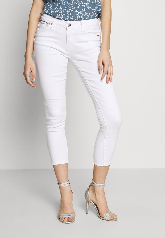 ONLISA - Vaqueros pitillo - white denim