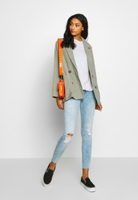 ONLY - ONLCORAL RAW - Jeans Skinny Fit - light blue denim - 1