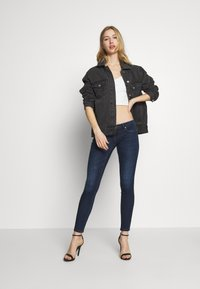 ONLY - ONLCORAL SKINNY ANK - Jeans Skinny Fit - dark blue denim - 1