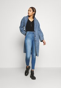 ONLY - ONLGOSH - Jeans Skinny Fit - medium blue denim - 1
