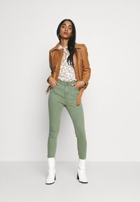 ONLY - ONLMILA  - Jeans Skinny Fit - kalamata - 1
