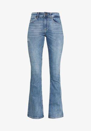 ONLBLUSH MID FLARED  - Flared Jeans - light blue denim