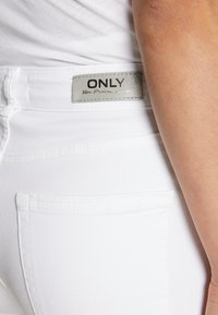 ONLY - ONLBLUSH MID  - Jeans Skinny Fit - white - 4
