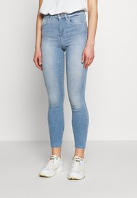 ONLY - ONLPOWER MID PUSH UP - Jeans Skinny Fit - light blue denim - 0