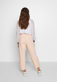 ONLY - ONQAMARANTA CARROT CROP - Jeans relaxed fit - cameo rose - 2