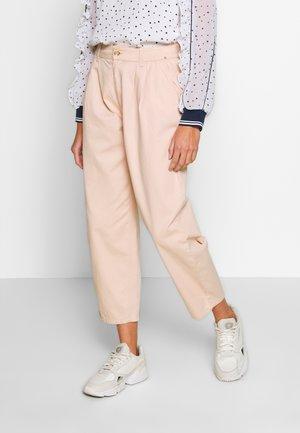 ONQAMARANTA CARROT CROP - Jeans baggy - cameo rose