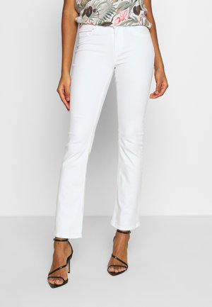 ONLBLUSH MID SWEET  - Flared jeans - white