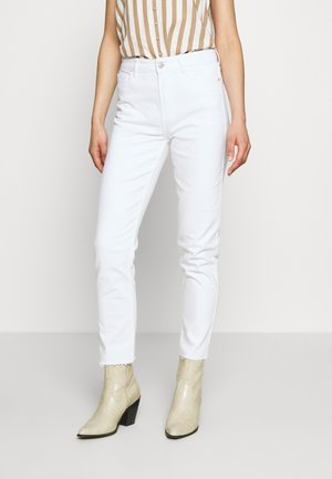 ONLEMILY  LIFE  - Relaxed fit jeans - white