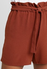 ONLY - ONLTURNER PAPER BAG  - Shorts - russet brown - 4