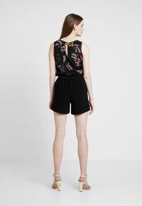 ONLY - ONLTURNER PAPER BAG  - Shorts - black - 3