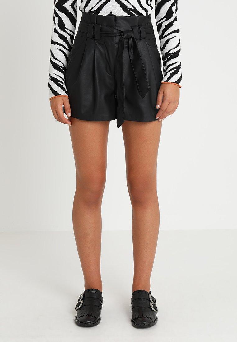 ONLY - ONLNADIA PAPEBAG  - Shorts - black