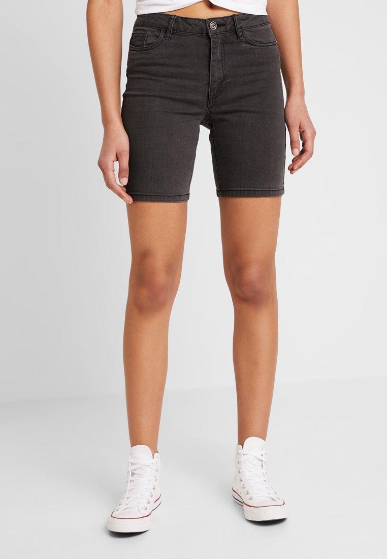 ONLY - ONLCORIN MIDWAIST BOX  - Jeans Shorts - black
