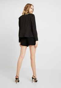 ONLY - ONLFINI PAPERBAG - Shorts - black - 2