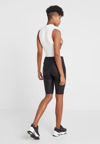 ONLY - ONLANNE LONG COATED SHORTS - Short - black - 2