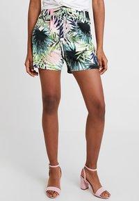 ONLY - ONLPOPTRASH PALM LEAF PRINT - Shorts - black - 0