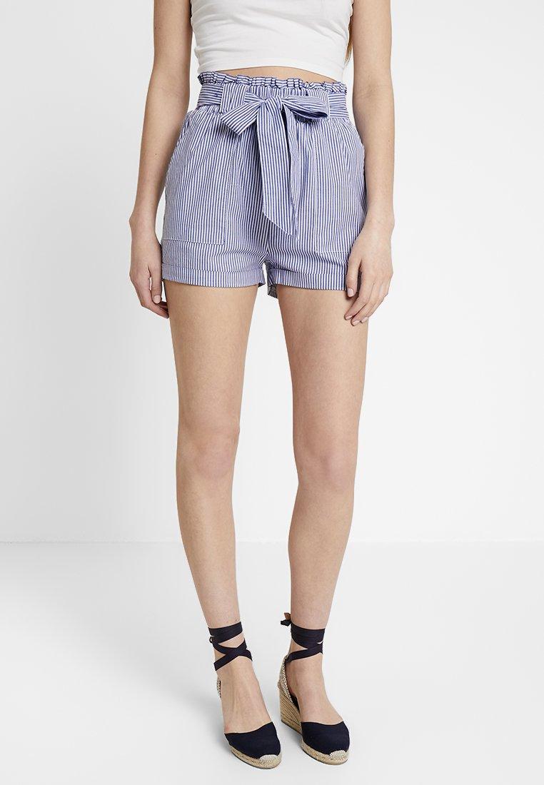 ONLY - ONLSMILLA STRIPE BELT - Shorts - medium blue denim
