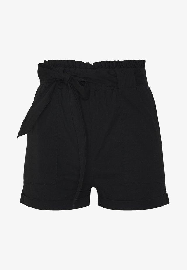 ONLSMILLA STRIPE BELT - Shorts - black