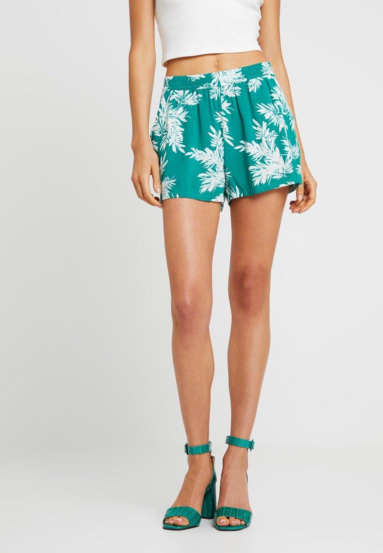 ONLY - ONLNOVA - Shorts - cadmium green