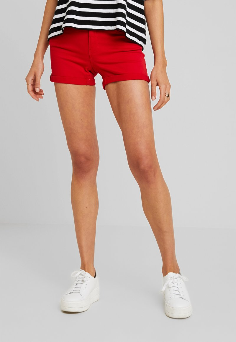 ONLY - ONYPEARL - Jeans Short / cowboy shorts - flame scarlet