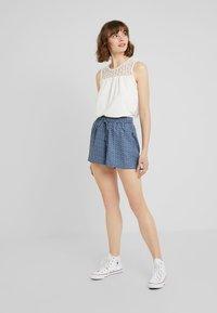 ONLY - ONLDIANA - Shorts - blue horizon - 1