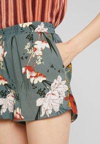 ONLY - ONLELEONORA - Shorts - balsam green - 4