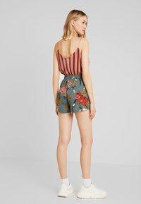 ONLY - ONLELEONORA - Shorts - balsam green - 2