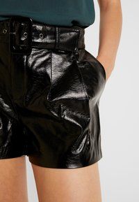 ONLY - ONLSCARLET GLAZE - Shorts - black - 4