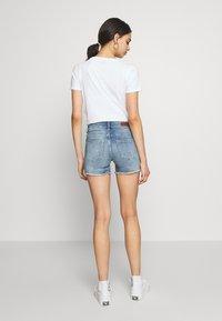 ONLY - ONLBLUSH RAW SHORTS  - Shorts di jeans - light blue denim - 2