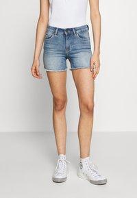 ONLY - ONLBLUSH RAW SHORTS  - Shorts di jeans - light blue denim - 0