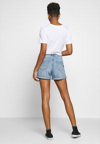 ONLY - ONLPHINE LIFE - Jeansshorts - light blue denim - 2